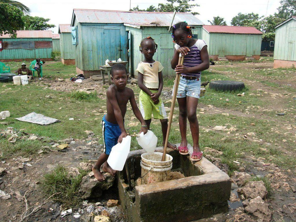 haiti-kids-poor-well